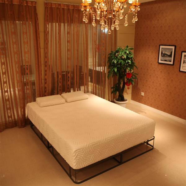 8 Inch Queen Size Memory Foam Mattress With Pillows